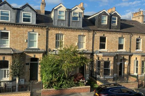 4 bedroom townhouse for sale - Scarcroft Road, York