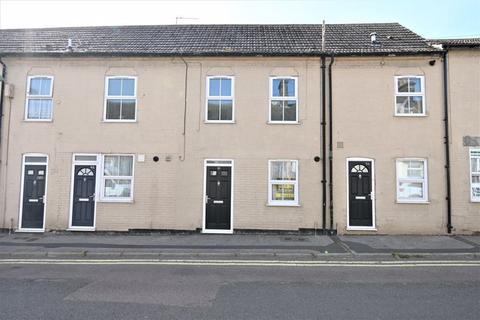 1 bedroom apartment to rent - Milton Road West, Lowestoft