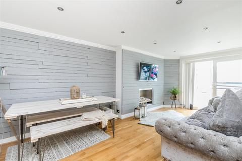 2 bedroom semi-detached bungalow for sale - Woodbourne Avenue, Brighton