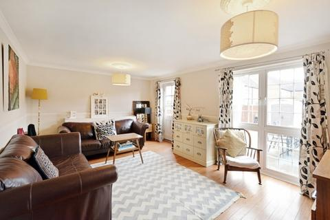 3 bedroom house to rent - Farrins Rents Surrey Quays SE16