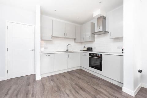 1 bedroom flat to rent - London Road, Headington , Oxford , OX3 9HZ