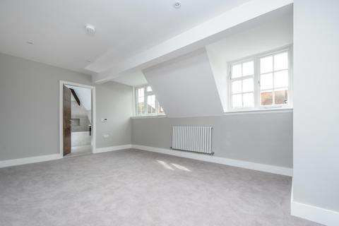 2 bedroom flat to rent - Station Road, Gerrards Cross SL9 8ES