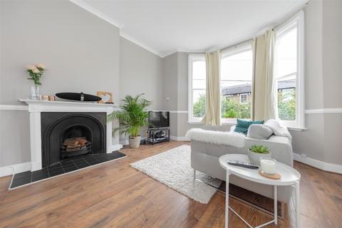 1 bedroom flat to rent - Endlesham Road, SW12
