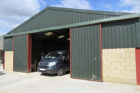 Property to rent - Little Faringdon, LECHLADE