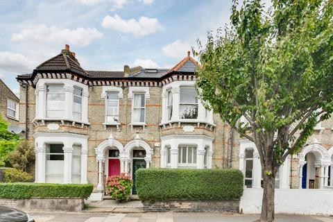 3 bedroom flat for sale - Marmion Road, London, SW11