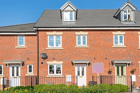 4 bedroom townhouse for sale - Royal Wootton Bassett,  Wiltshire,  SN4