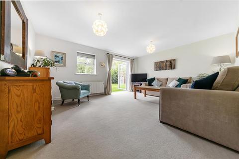 2 bedroom flat to rent - Massingberd Way, SW17