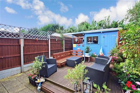 3 bedroom townhouse for sale - Darwin Avenue, Maidstone, Kent