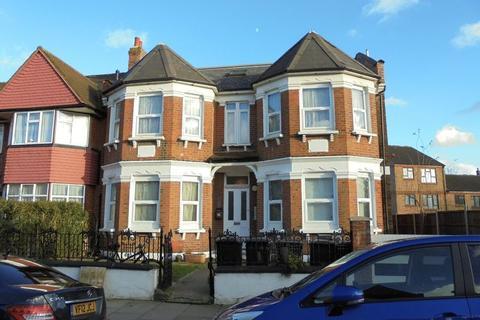 Studio to rent - 4 Palmerston Road, Wood Green N22