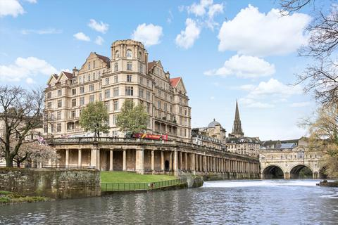 3 bedroom flat for sale - Grand Parade, Bath, Somerset, BA2.