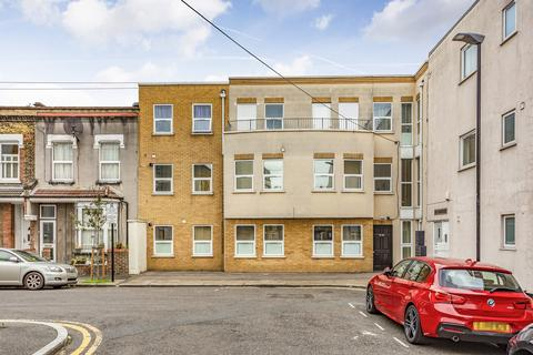 2 bedroom flat to rent - Maitland Road, Stratford, E15
