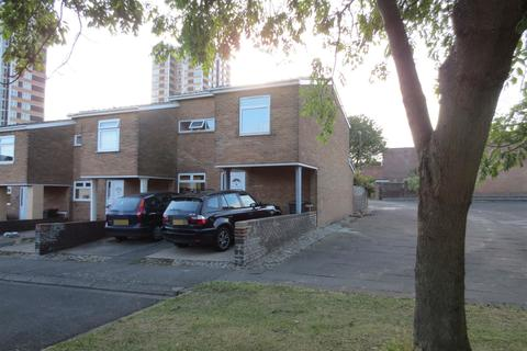4 bedroom end of terrace house to rent - Tindal Close, Newcastle Upon Tyne, NE4 5RJ
