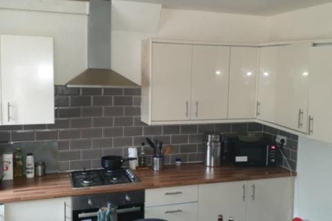 2 bedroom house to rent - 28 Park View Avenue Burley Leeds