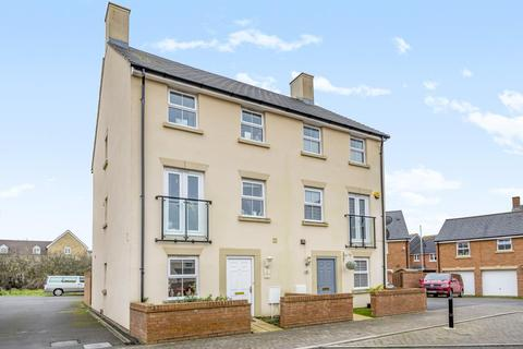 4 bedroom semi-detached house - Redhouse,  Swindon,  SN25