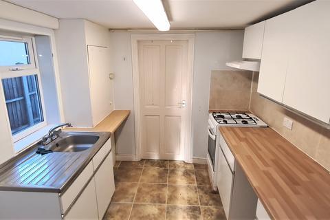 3 bedroom terraced house to rent - Lion Road, Bexleyheath, Kent, DA6