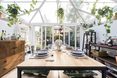 3 bedroom terraced house for sale - Dorothy Road , Battersea, London, SW11
