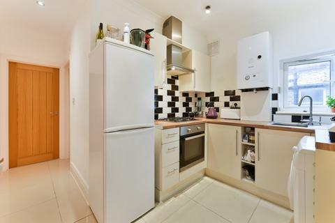 3 bedroom flat to rent - Shooters Hill Road, Blackheath, London, SE3