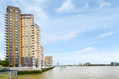 2 bedroom flat to rent - Cascades Tower, Canary Wharf E14