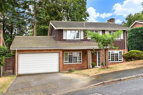 4 bedroom detached house to rent - Stockwood Rise, Camberley, GU15