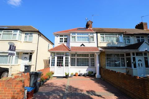 3 bedroom end of terrace house for sale - Wentworth Road, Southall