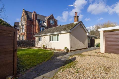 3 bedroom detached bungalow for sale - Victoria Square, Penarth