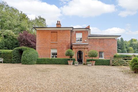 3 bedroom house for sale - Hackwood Park, Basingstoke, Hampshire
