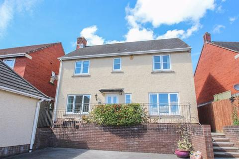 4 bedroom detached house for sale - Cromwells Meadow, Crediton
