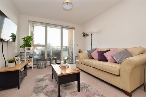 2 bedroom flat for sale - Russells Crescent, Horley, Surrey