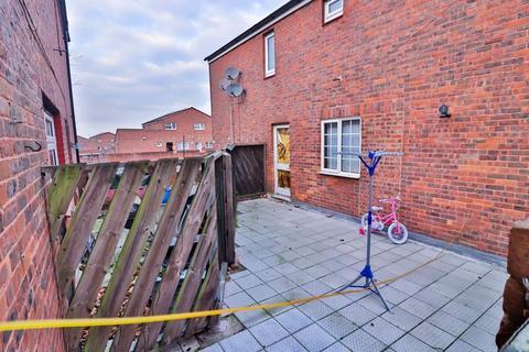 2 bedroom duplex for sale - Priors Field, Northolt