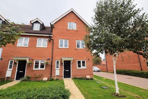 3 bedroom end of terrace house for sale - Collington Road, Aylesbury