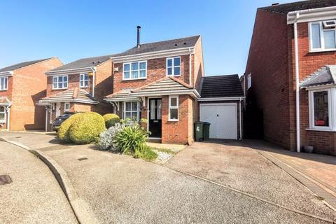 3 bedroom detached house for sale - Lark Vale, Aylesbury