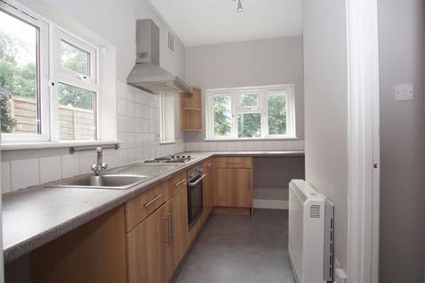 Studio to rent - Denmark Road, Kinghsolm, Gloucester