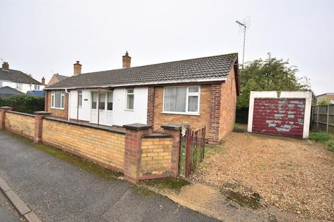 2 bedroom bungalow for sale - Bevis Way, King's Lynn, PE30