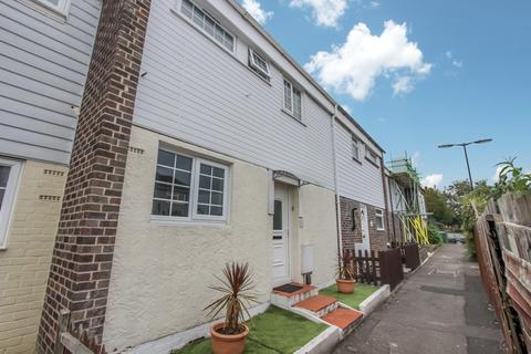 2 bedroom terraced house for sale - Andromeda Road, Southampton, SO16