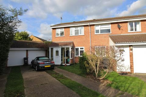 3 bedroom semi-detached house for sale - Booths Close, North Mymms, Hatfield, AL9