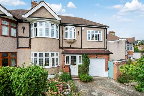 4 bedroom semi-detached house for sale - Blendon Drive, Bexley, DA5