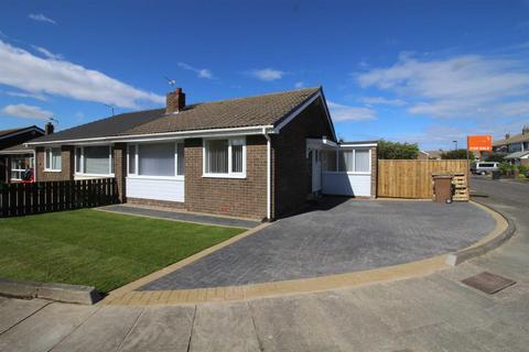 2 bedroom semi-detached bungalow to rent - St Annes Court, Whitley Bay