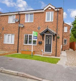 3 bedroom semi-detached house for sale - Eldon Drive, Preston, HU12