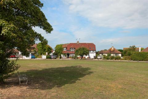4 bedroom semi-detached house for sale - Green Leas, Chestfield, Whitstable
