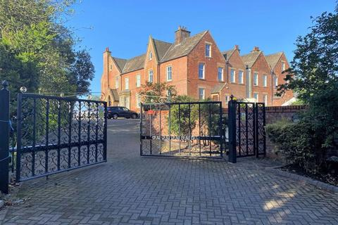 2 bedroom apartment for sale - Edenfield, 2a Clifton Drive, Lytham