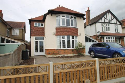 3 bedroom detached house for sale - Curzon Road, Maidstone