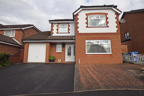 4 bedroom detached house for sale - Walsingham Avenue, Alkrington, Middleton