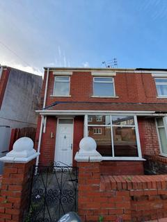3 bedroom semi-detached house to rent - Nuttall Road, Blackpool, Lancashire
