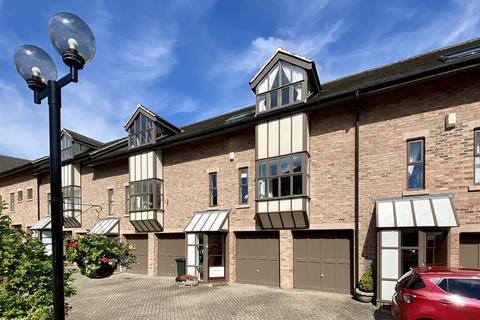 3 bedroom townhouse for sale - The Mews, Newcastle Upon Tyne