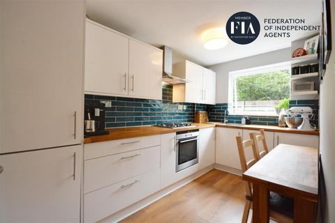 1 bedroom apartment for sale - Oliver Close, Chiswick