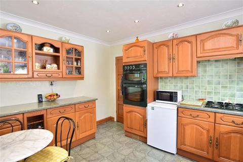 2 bedroom detached bungalow for sale - Chestfield Road, Chestfield, Whitstable, Kent