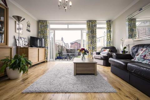 2 bedroom semi-detached house for sale - London Road, Tunbridge Wells