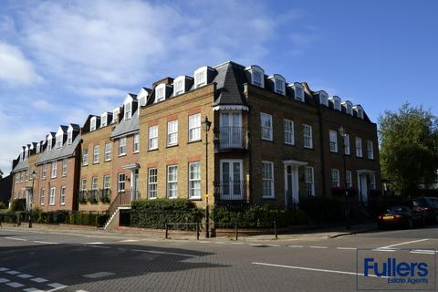 2 bedroom apartment to rent - Repton Court, The Green, Winchmore Hill, London N21