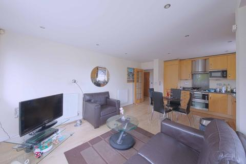 2 bedroom flat to rent - The crescent, , Maidenhead, SL6 6FL