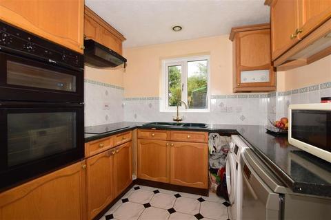 4 bedroom detached house - Parkhurst Road, Horley, Surrey